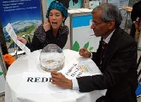 Fortune-teller predicts profits from deforestation for UN delegate