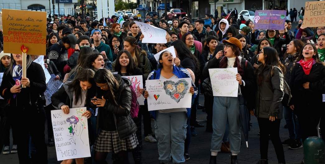 1 minute Video: March Against Violence Toward Women in Temuco, Chile